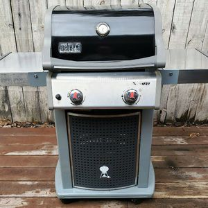 Weber 2 burner gas grill excellent condition, propane or natural gas for Sale in Niceville, FL