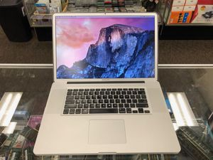 "Macbook Pro 17"" core i7 8 gb RAM 500 GB HDD for Sale in Hartford, CT"