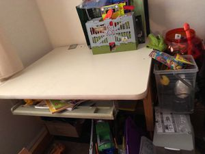 Kids very heavy desk with pull out tray and under storage for Sale in Cumberland, IN