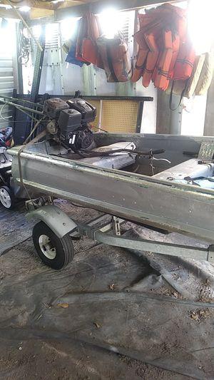 14 ft aluminum jon boat go devil 13 hp honda for Sale in Kissimmee, FL
