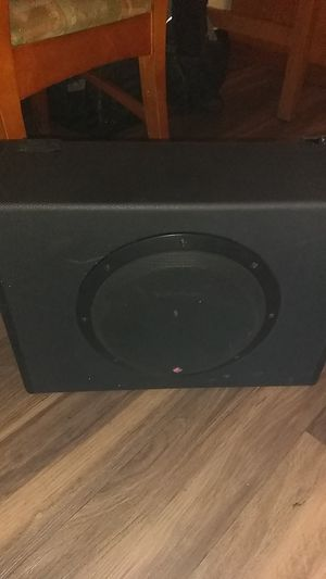 """10"""" subwoofer Rockford with build in amp for Sale in Fresno, CA"""