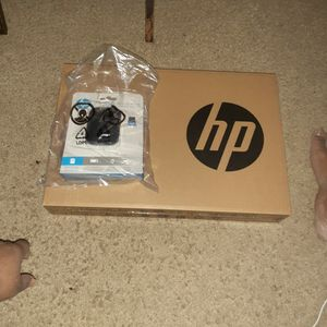 Brand New HP Anthlon 14' Laptop With Wireless Mouse for Sale in Stonecrest, GA