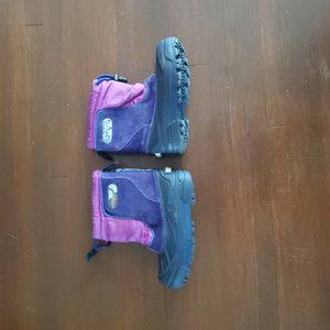 Toddlers Size 13 Columbia Snow Boots for Sale in Los Angeles, CA