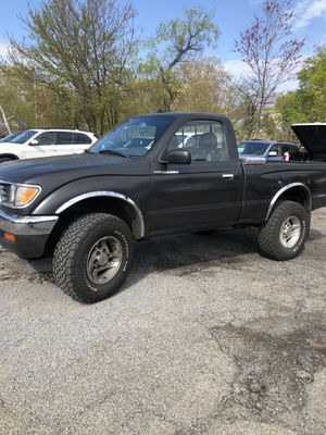 Toyota Tacoma. 1995 for Sale in Fairfield, CT