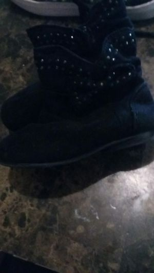 Baby girl size 6 piper black boots for Sale in Columbus, OH