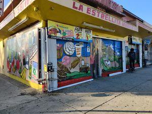 MARKETA Y CARNICERÍA DE VENTA for Sale in Bell Gardens, CA