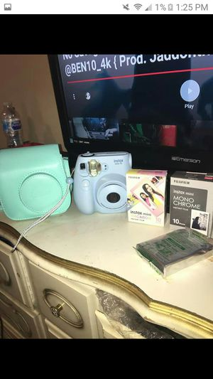 Fujifilm instax mini 7s camera with case and 3 films for Sale in Fort Washington, MD