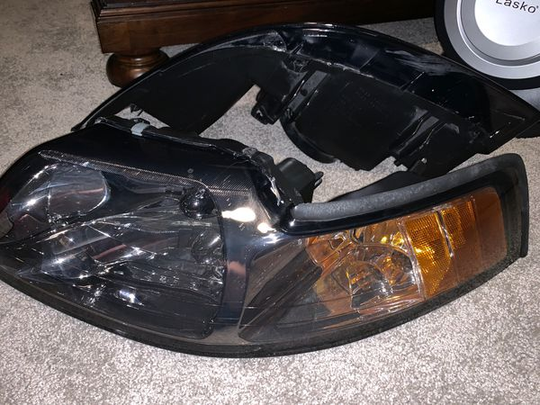 2000 mustang Gt stock headlights and taillights