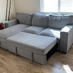 Beautiful small couch for Sale in Los Angeles,  CA