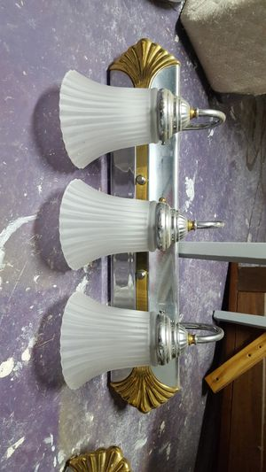 Wall sconce (bathroom or kitchen light) for Sale in North Olmsted, OH