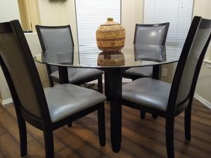 Very Nice..broyhill crystal dining table N four high back powder blue with black trim chairs.. for Sale in Vancouver, WA