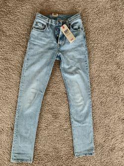 Levi's women Jeans Size:2 for Sale in Everett,  WA