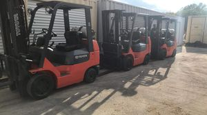 Toyota Forklifts (package of 3) 3 stage with side shift for Sale in Keller, TX