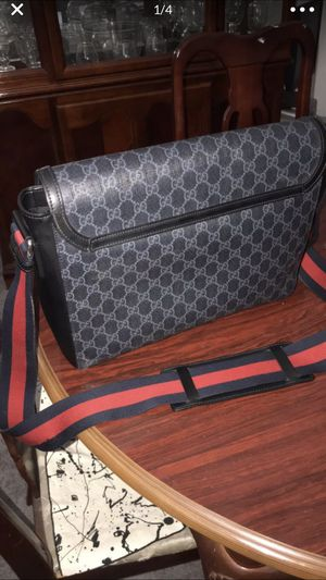 Gucci bag $600 gg knight messenger .real no fakes stuff for Sale in Inglewood, CA