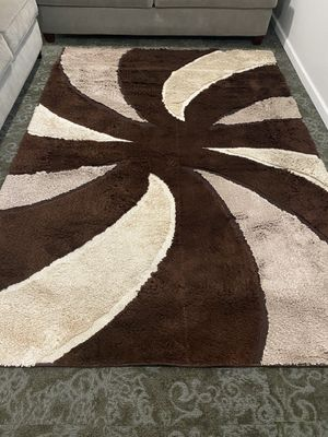 7x9 Shaggy Rug for Sale in St. Louis, MO