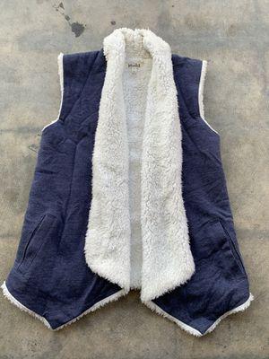 Girls MUDD faux fur vest size 12 for Sale in San Bernardino, CA