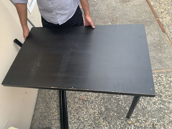 Free table. Fremont