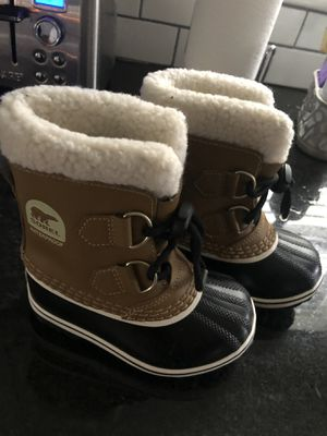 Sorel snow boots size 8 for Sale in South Hackensack, NJ