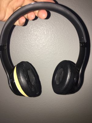 Beats solo 3's headphones for Sale in Tampa, FL
