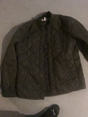 Green bomber jacket I love this jacket just don't wear it anymore 25$ for Sale in Cleveland, OH