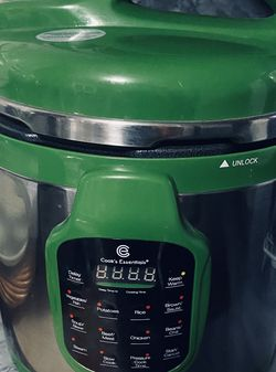BEAUTIFUL NEW (never Used) LARGE PRESSURE COOKER OBO for Sale in City of Industry,  CA