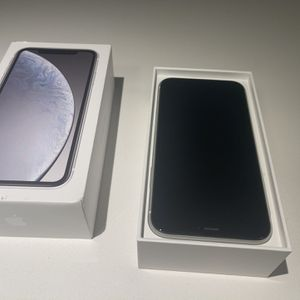 Iphone 10Xr 128GB White Mint Condition for Sale in Los Angeles, CA