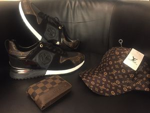Men's shoes & hat & wallet for Sale in Hilliard, OH