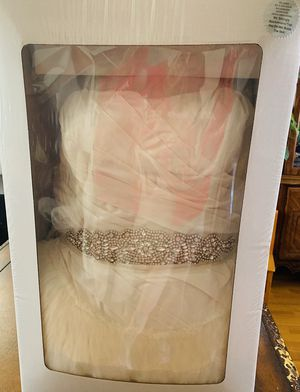 Wedding Dress VERA Wang Brand for Sale in Los Angeles, CA