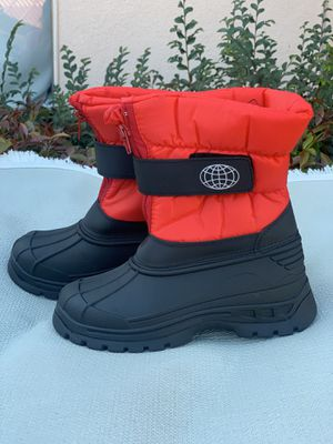 Snow boots for kids sizes 1,2,3,4 for Sale in Cudahy, CA