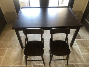 Pottery barn kids desk/ play table with 2 chairs for Sale in Laguna Niguel, CA