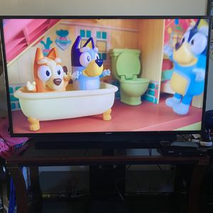 Samsung TV 60 Inch With Stand (selling together only) for Sale in Baldwin Park, CA