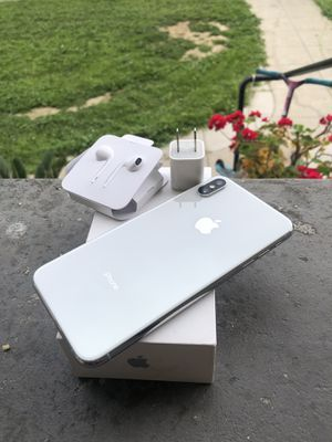 iPhone XS Max 256 at&t cricket wireless for Sale in Ontario, CA