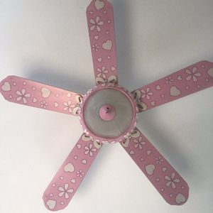 "Pink Girls Fan (42""/44"") Small. Works great! for Sale in Anaheim, CA"