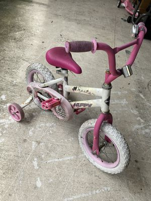 Toddler girl bike for Sale in West Palm Beach, FL