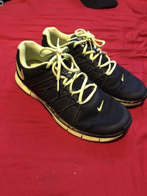 Nike running shoes size 9.5 for Sale in East Los Angeles, CA