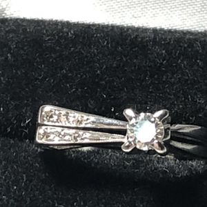 14K WHITE GOLD AND ROUND CUT BRILLIANTS WEDDING RING SET for Sale in Los Angeles, CA