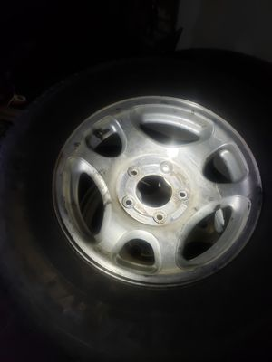 16 inch ford trims and tires for Sale in Raleigh, NC