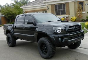 On sale clear 2007 Toyota Tacoma Beautiful for Sale in Lowell, MA