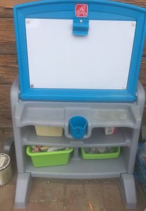 Kid desk for Sale in Palmdale, CA
