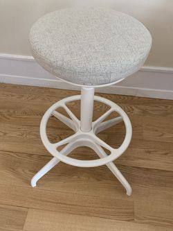 Adjustable White & Beige Sit/Stand Stool for Sale in Seattle,  WA