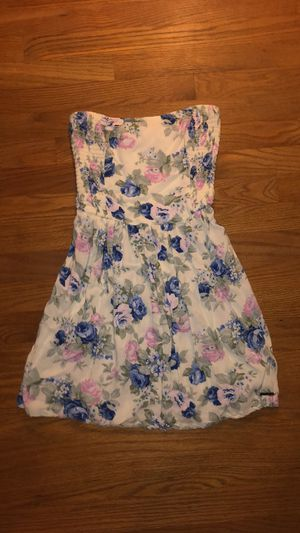 Abercrombie & Fitch strapless dress size XS for Sale in Barrington, IL