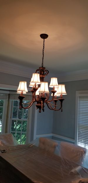 Chandelier in Great Condition for Sale in Rockville, MD