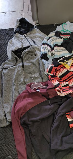 Misc clothes 13 pieces shirts and hoodie top.misc names $20 for Sale in Houston, TX