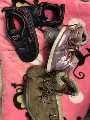 Size 6 girl shoes for Sale in Chula Vista, CA