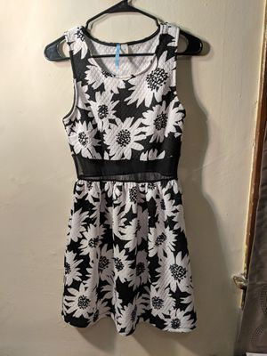Moonlight summer dress for Sale in Columbus, OH