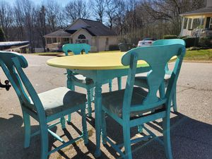 Antique table for Sale in Boiling Springs, SC