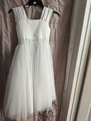 Beautiful white dress in size 7-8 Great for baptism, first communion, flower girl for Sale in Inglewood, CA