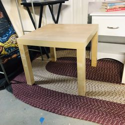 Coffee Table Good Condition for Sale in Cambridge,  MA