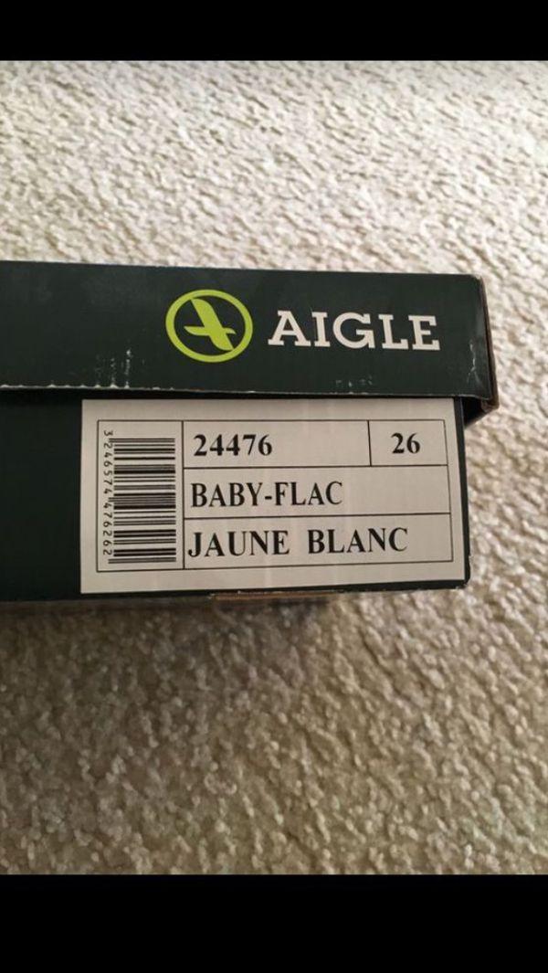 Girl/Boy/Todler rain boots yellov Size 8-9 Aigle BABY FLAC Children's