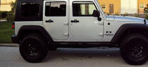 Asking$16OO Jeep Wrangler Unlimited 2OO7 CLEAN TITLE for Sale in Dallas, TX